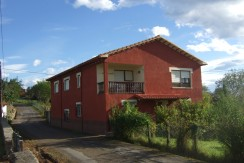Casa independiente en La Revilla con parcela de 4130m2