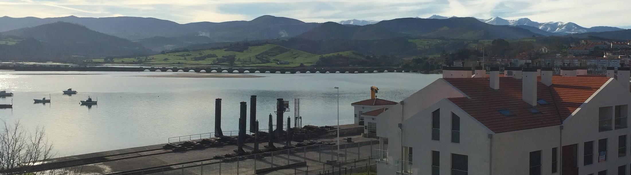 Piso de 4 habitaciones en San Vicente de la Barquera con vistas al mar