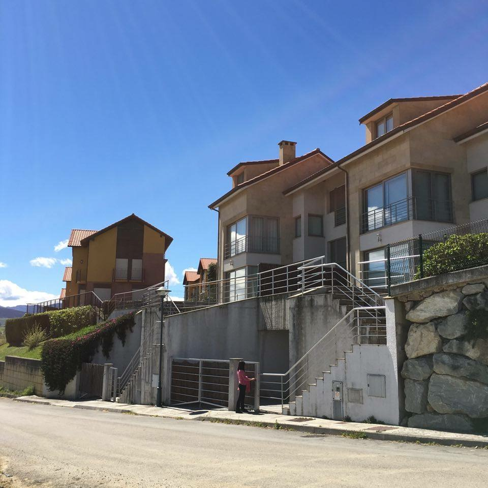 Alquiler piso de 4 dormitorios con terraza y vistas al mar for Pisos alquiler san vicente