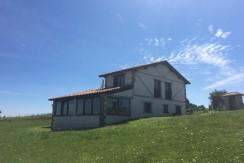 Venta casa independiente con terreno en San Vicente de la Barquera