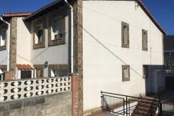 Venta chalet de 4 dormitorios con terraza en Pesues
