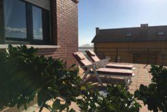 Piso bajo 2 habitaciones con amplia terraza y garaje