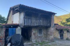 Venta casa de pueblo adosada en Barrio la Concha, El Bear Valdáliga