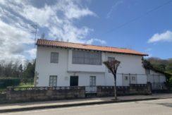 Venta casa independiente con jardín en Puente San Miguel